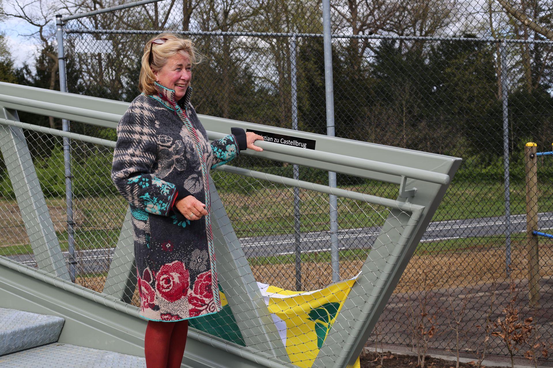 Update: Foto's opening voetgangersbrug 'Christian zu Castel' online!
