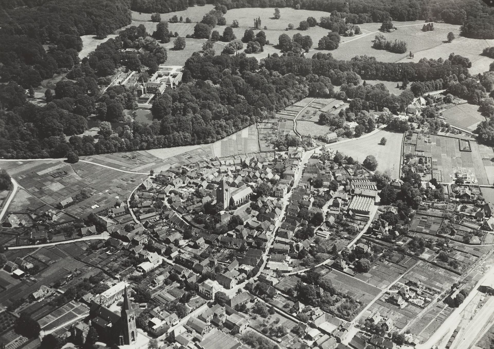 Historische luchtfoto's van Delden vrijgegeven