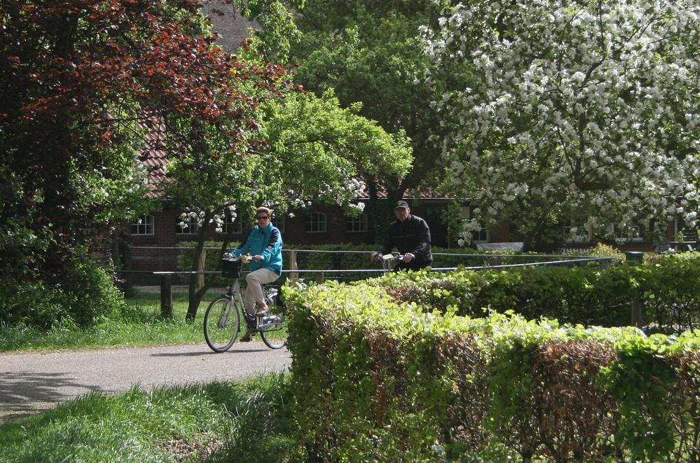 Prachtig fietsweer voor deelnemers op tweede dag Fiets4daagse Delden