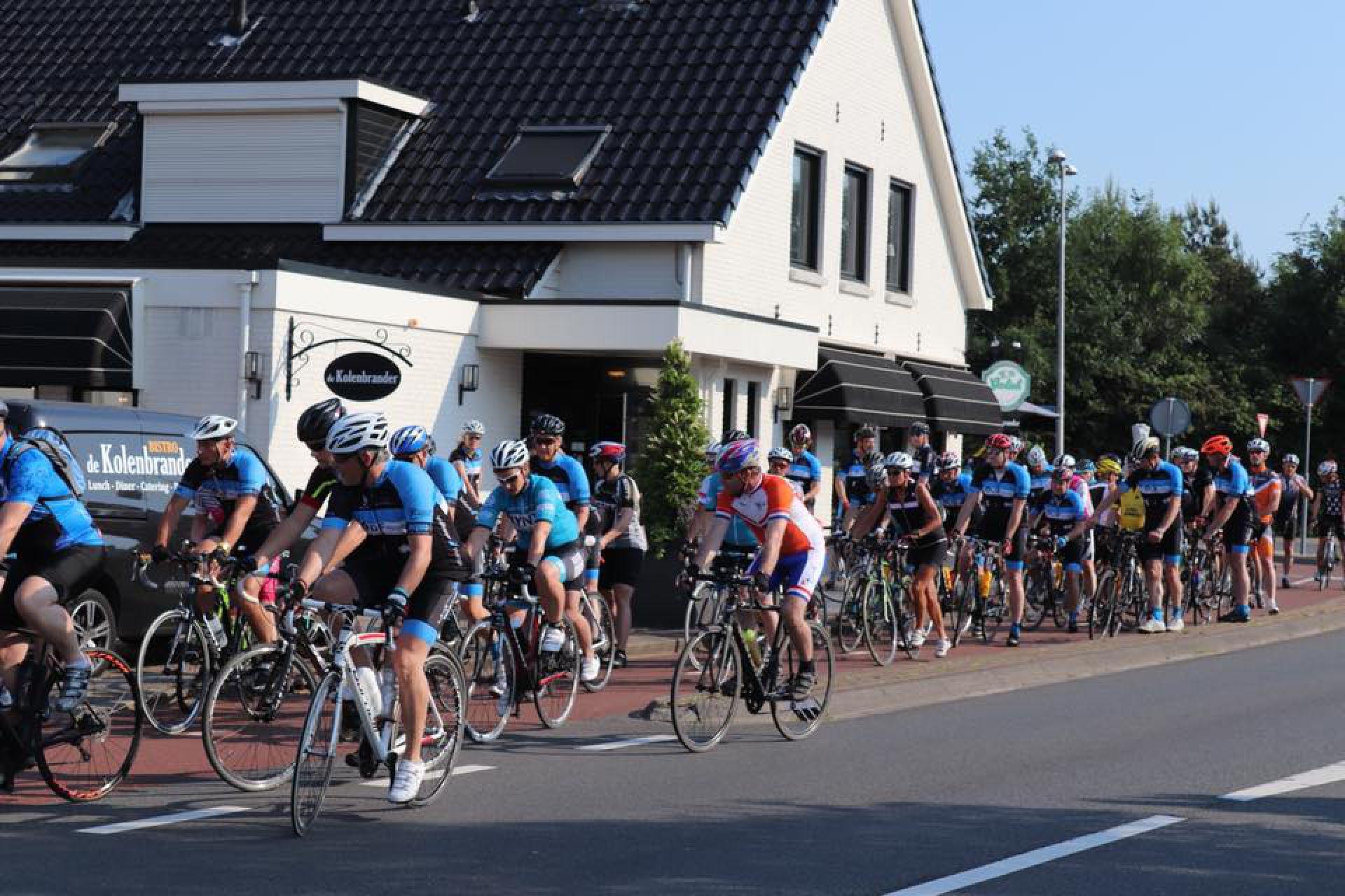 Elastiekenkoers in Delden ontvangen op nieuwe locatie