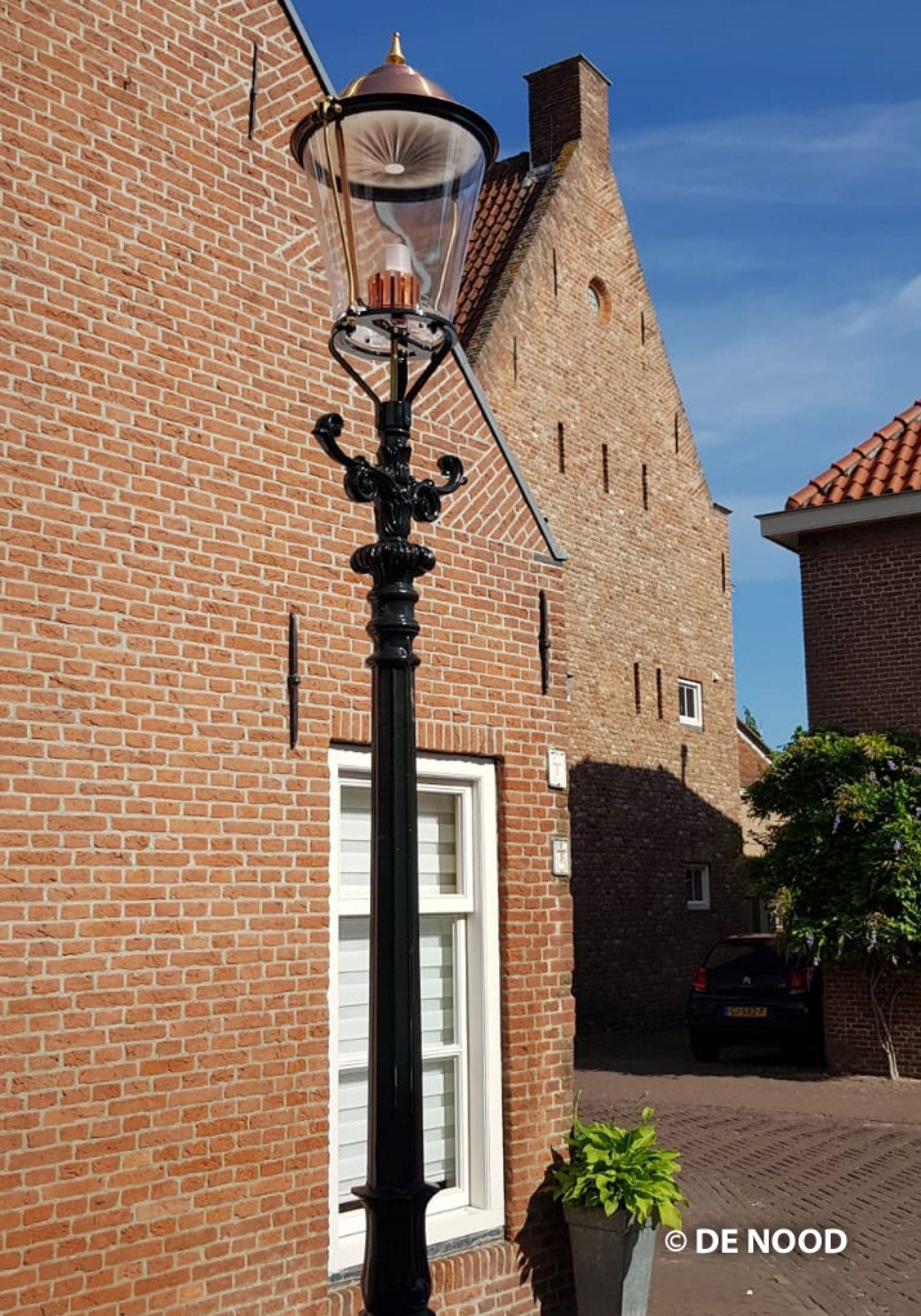 Vervanging lantaarnpalen Langestraat Delden van start