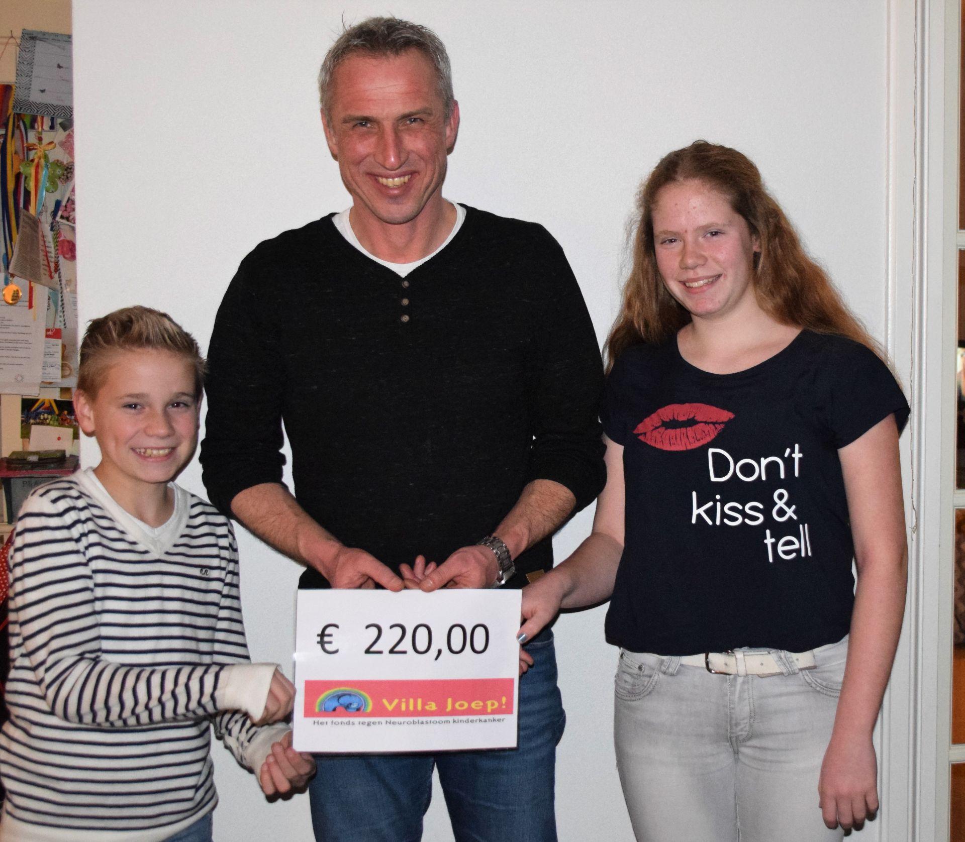 Deldense kniepertjes brengen 220 euro op voor Villa Joep
