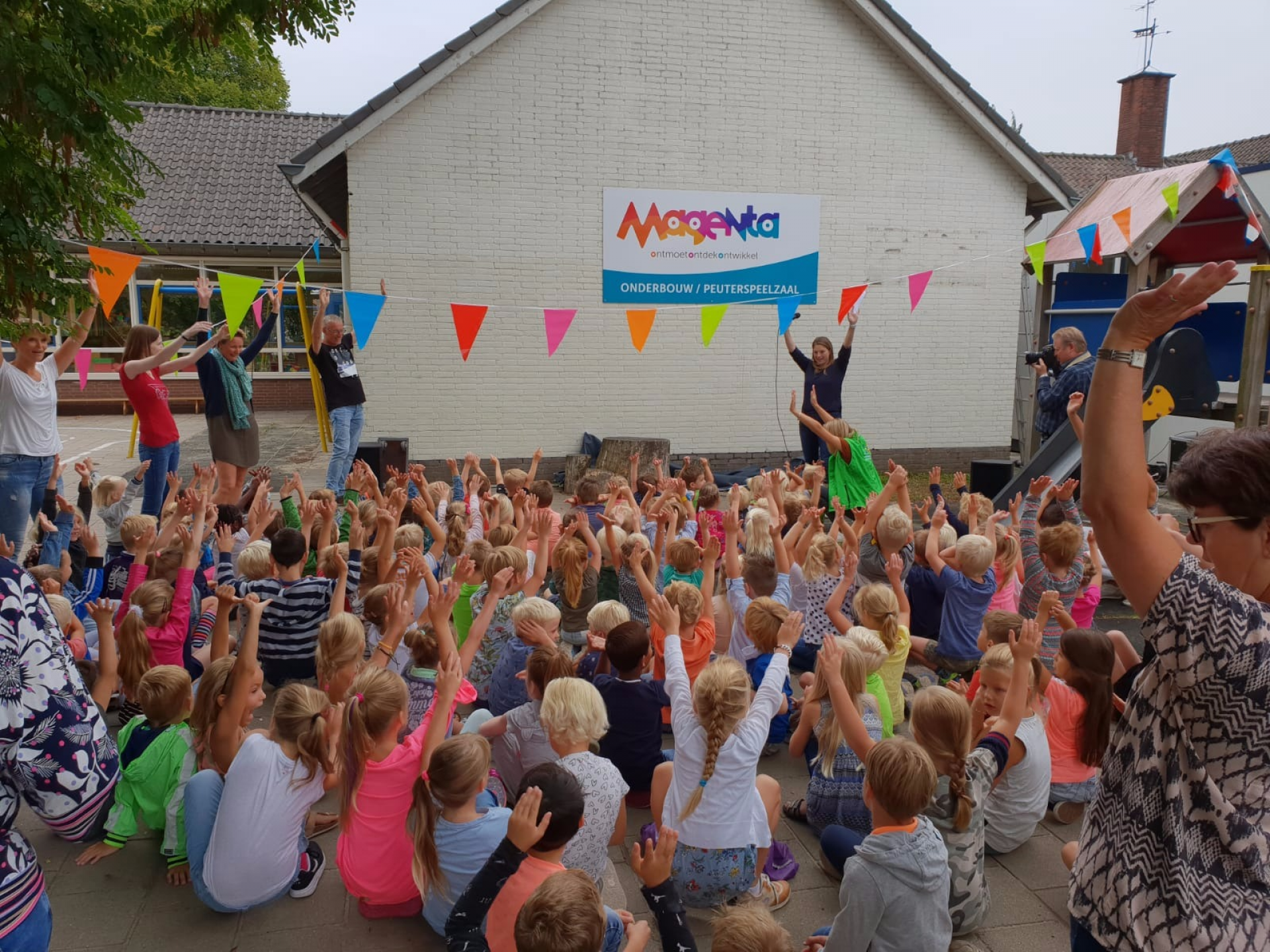 Video: IKC Magenta officieel van start