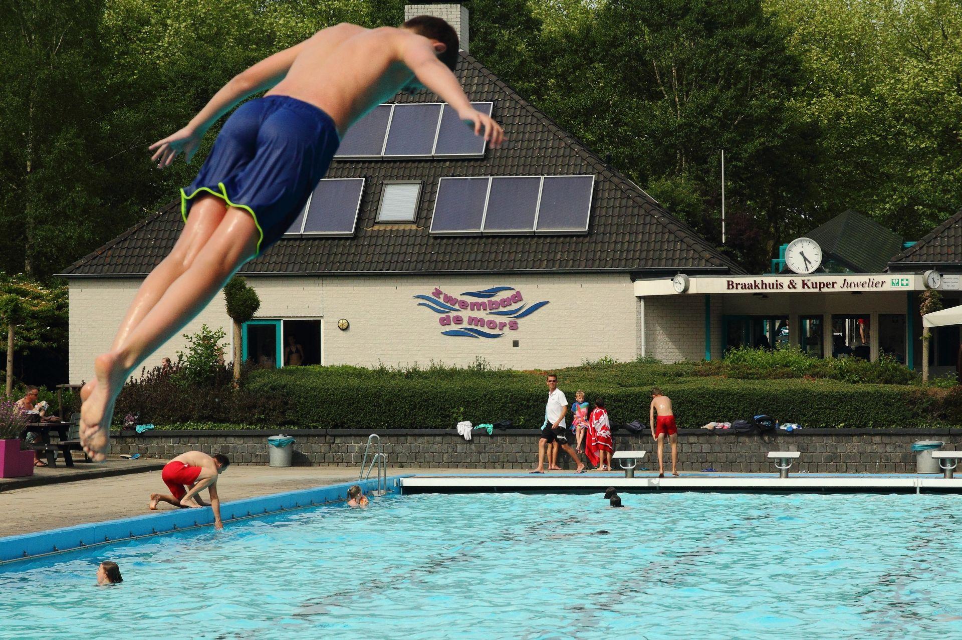 Zwembad De Mors in Beeld - Weekend met ruim 4000 bezoekers