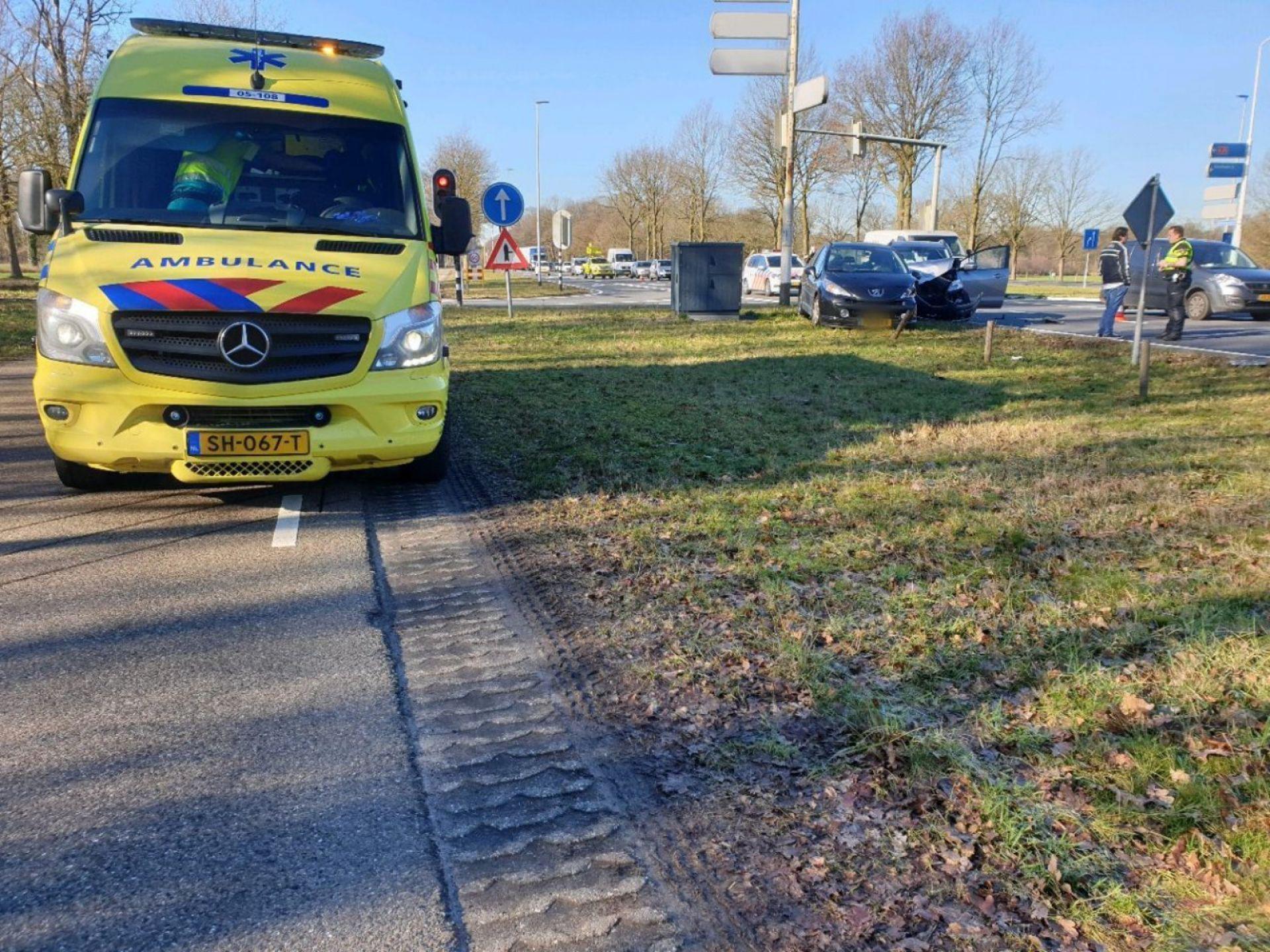 Gewonde bij aanrijding tussen Delden en Hengelo