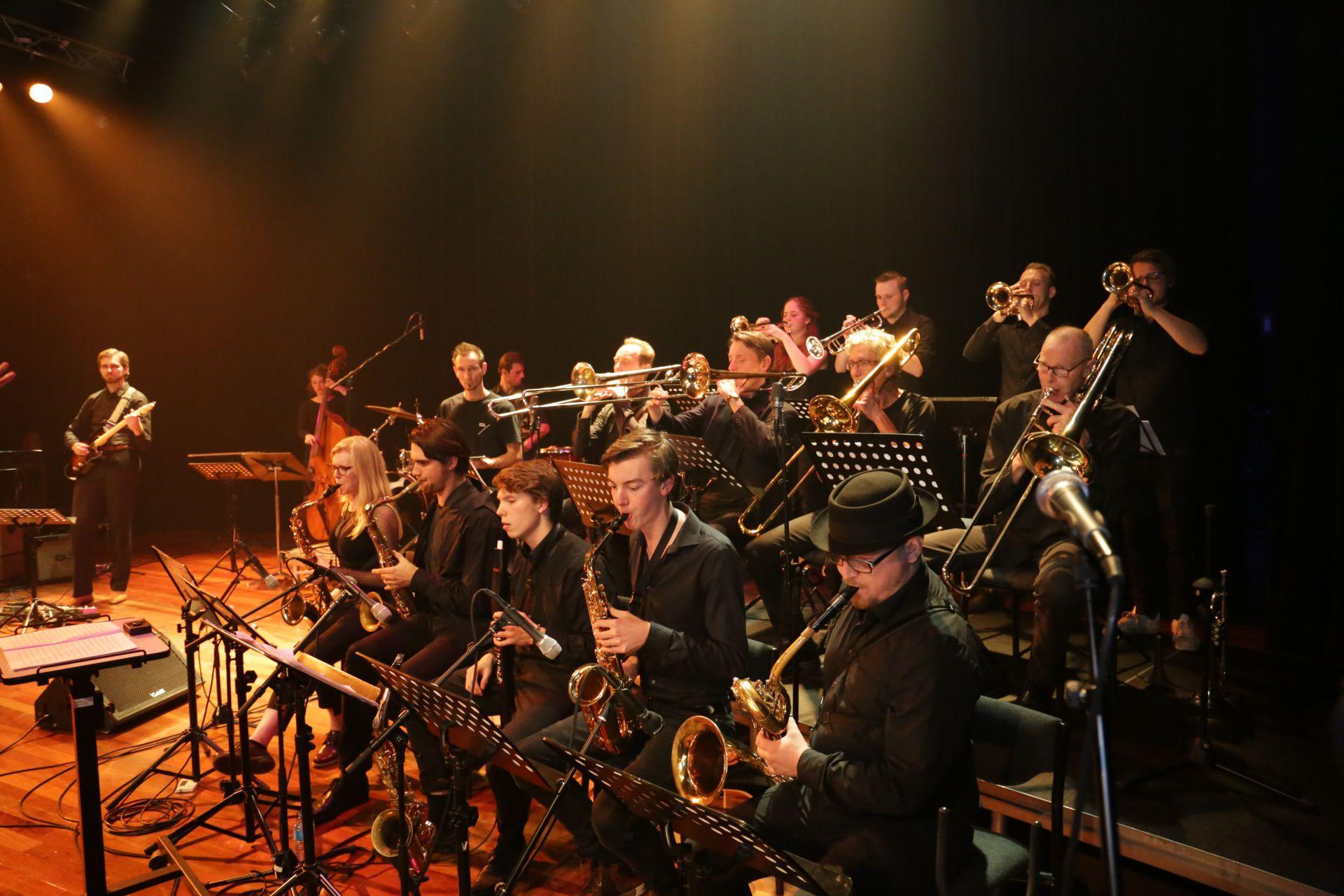Optreden Big Band Zwols conservatorium in Oude Blasiuskerk
