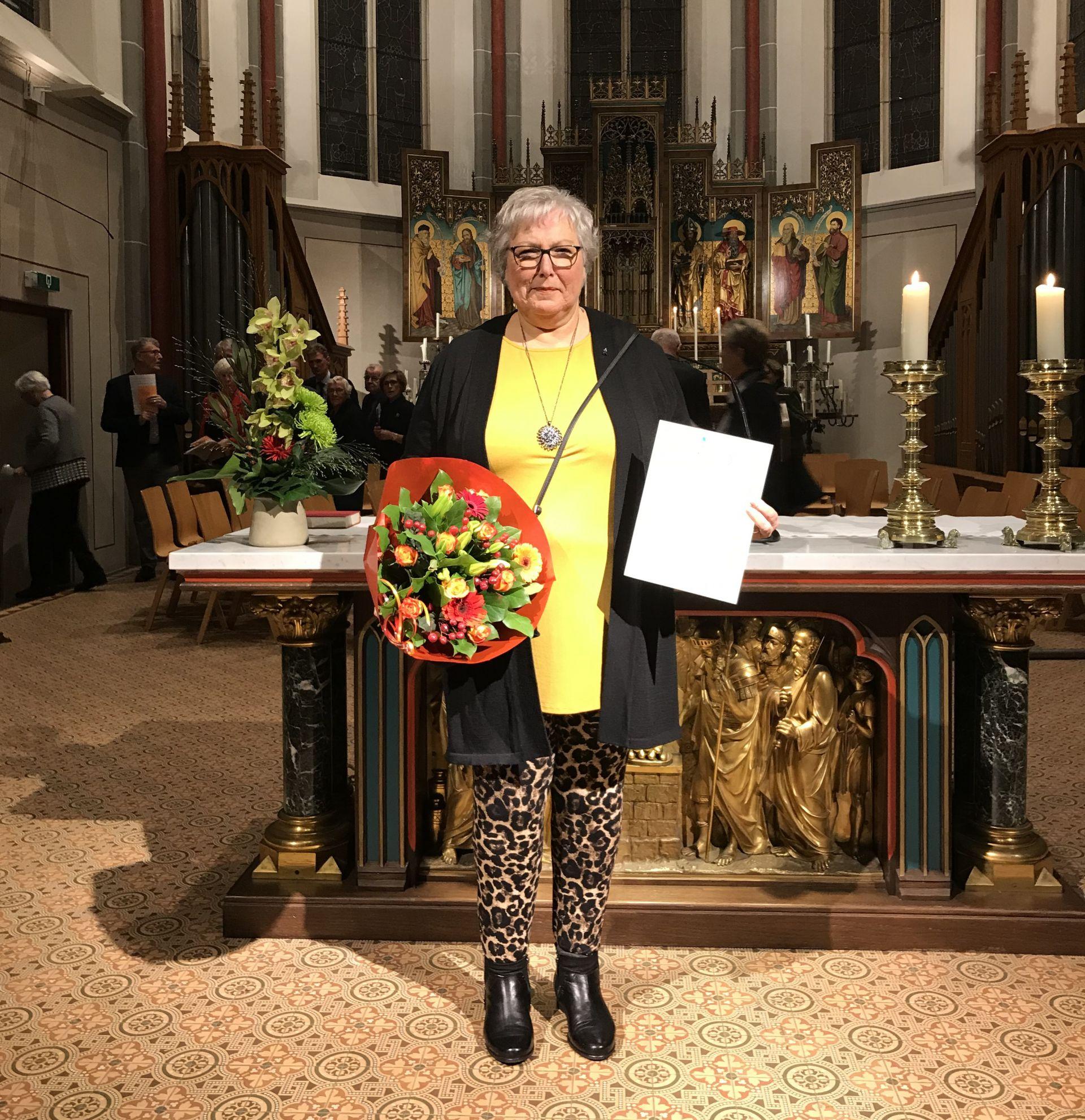 Petra Wensink zilveren jubilaris bij Blasiuskoor Delden