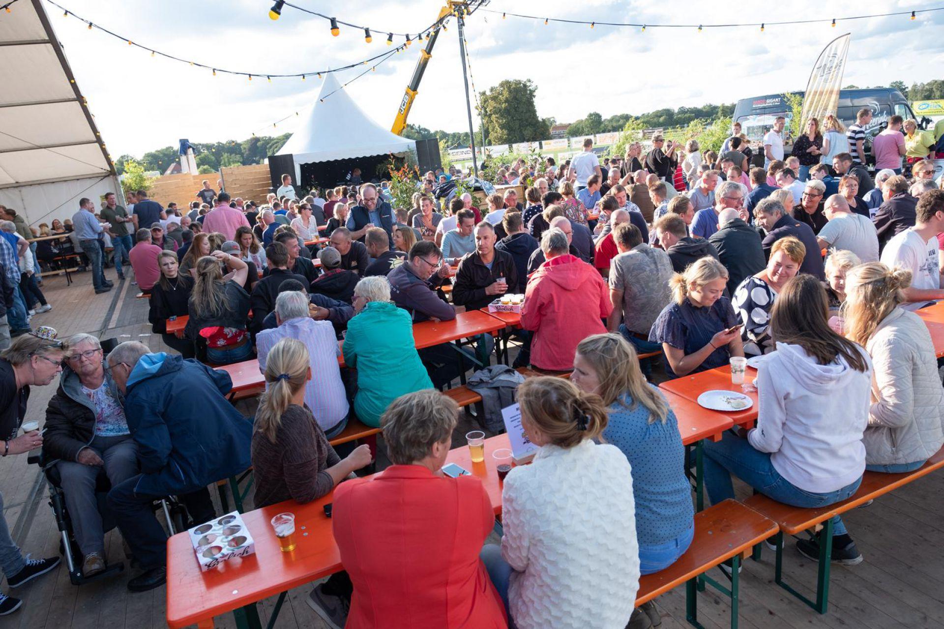 EetMeeCafé geeft Deldense Schuttersfeesten nieuwe boost