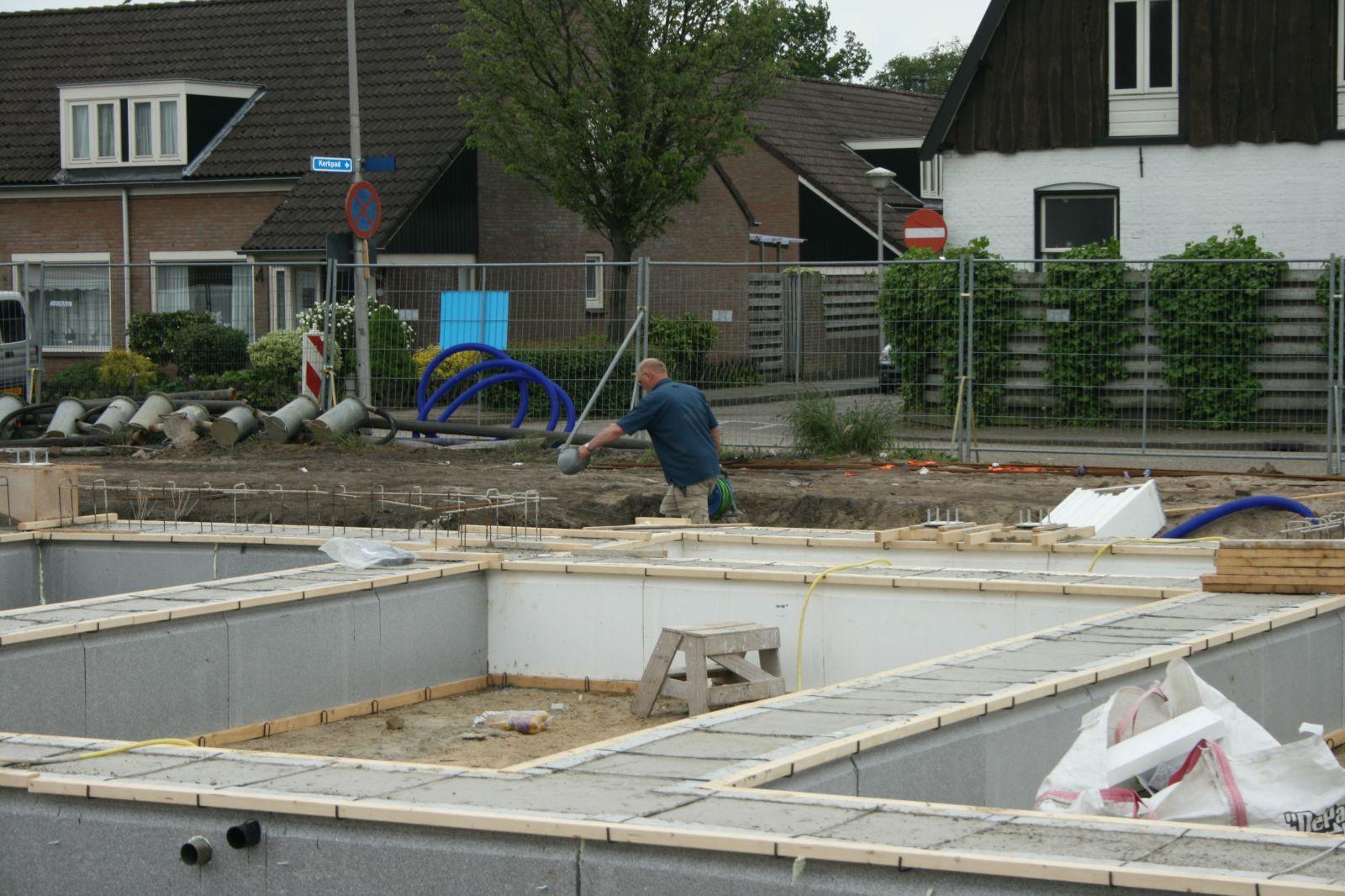 Contouren appartementen Peperkampweg in Delden zichtbaar – Foto's online