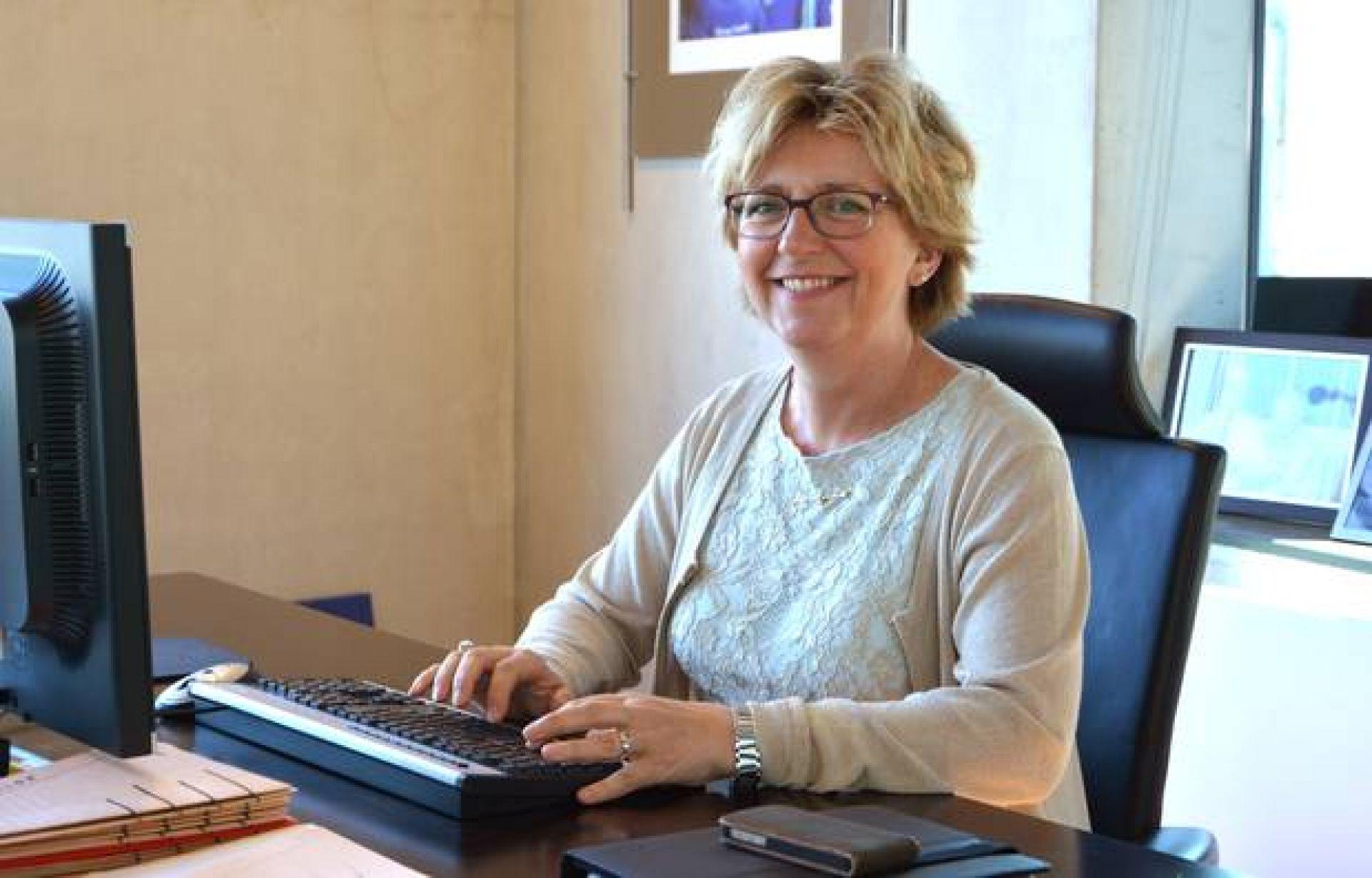 Burgemeester Ellen Nauta blikt terug op jaar in kersttoespraak