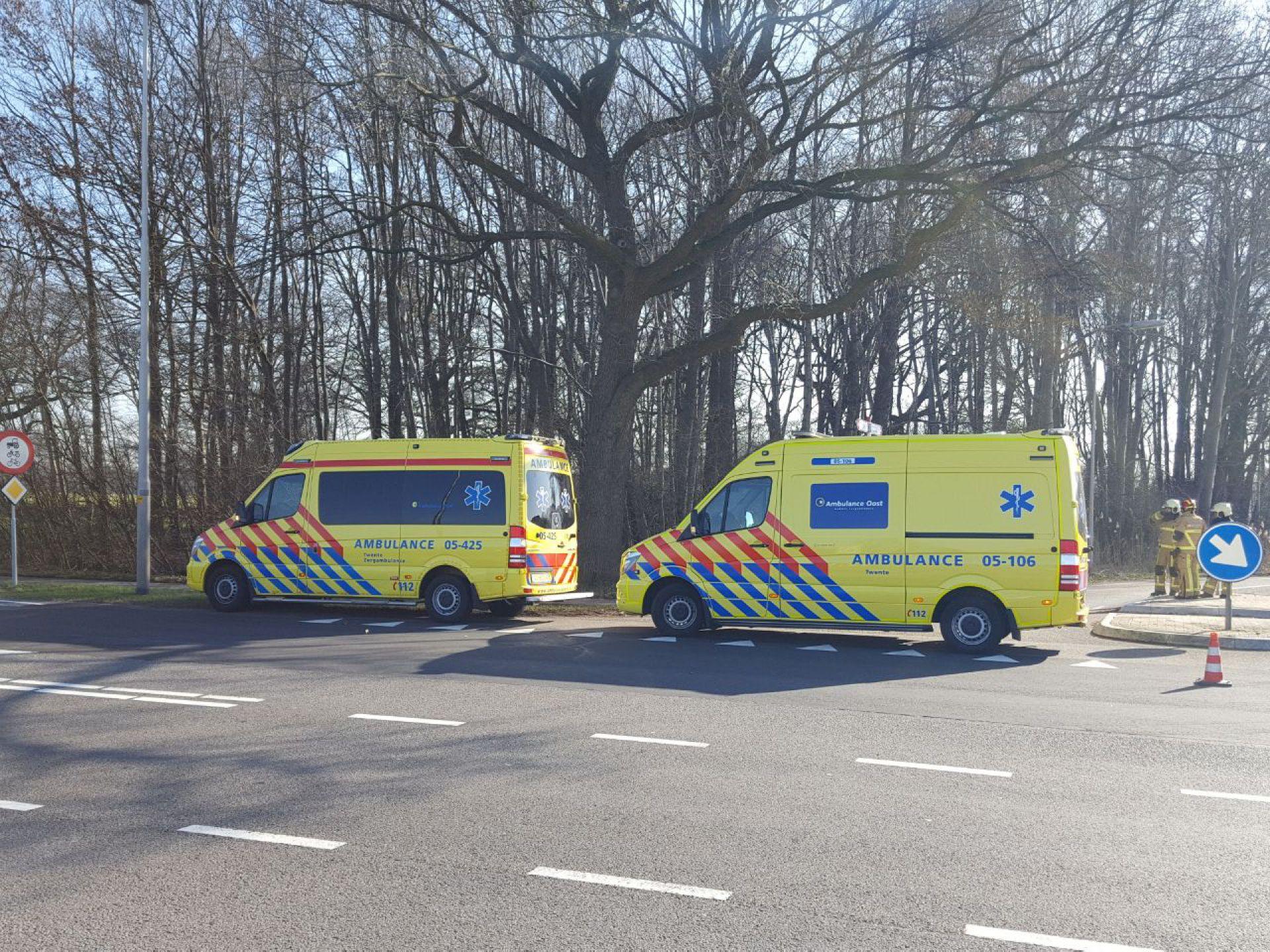 Auto belandt in water na ongeval tussen Delden en Goor