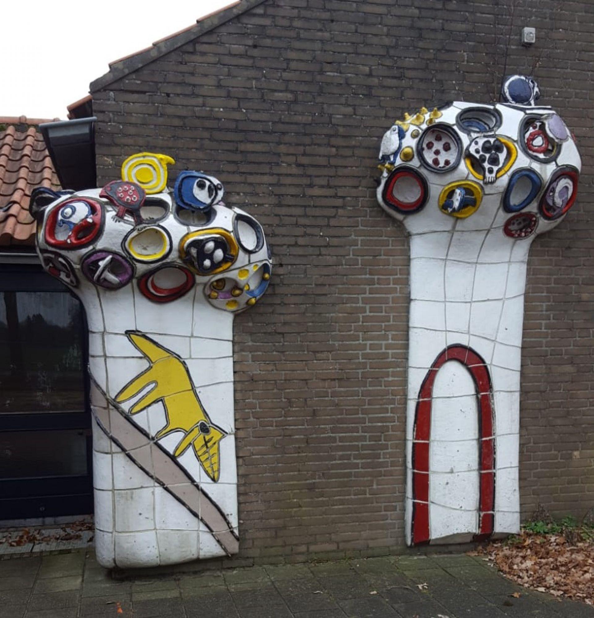 Gemeente wil kunstwerk basisschool Twickelo behouden