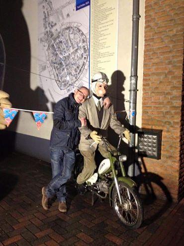Langestraat versierd voor jongste Deldense Arbraham Gerrit Holtvoort