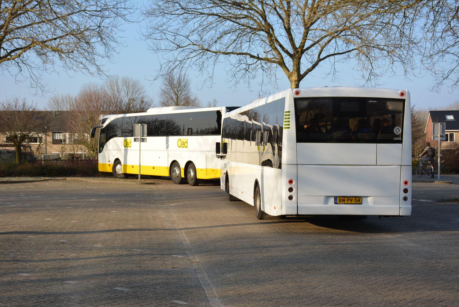 Leden SV Delden juichen voor FC Twente