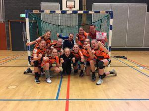 Eerste prijs handbalmeiden Twickel College Delden regiofinale Olympic Moves