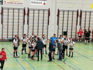 Korfballers Zwart Wit pakken kampioenschap na monsterzege