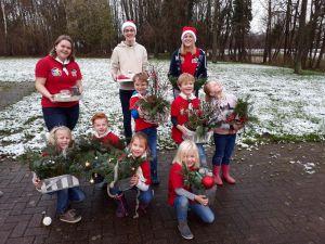 Scouting Delden brengt kerst bij ouderen