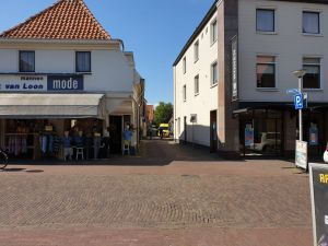 Vrouw gewond bij aanrijding met scootmobiel aan Meijlingstraat in Delden