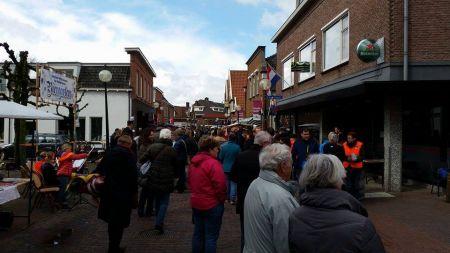 Oranjevereniging ondanks natte omstandigheden tevreden over verloop Koningsdag - Video online!