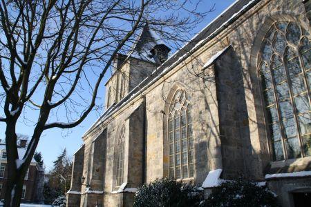 Pianist, violist en sopraan verzorgen concert cultuurvrienden in Oude Blasiuskerk