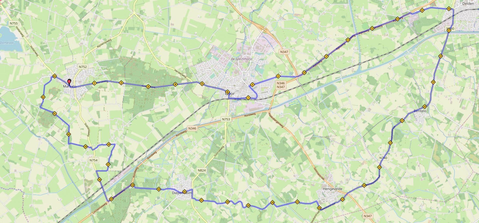 Truck Run Hof van Twente trekt door Langestraat in Delden