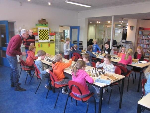 Uitslagen en standen Eerste Deldense Schaakclub