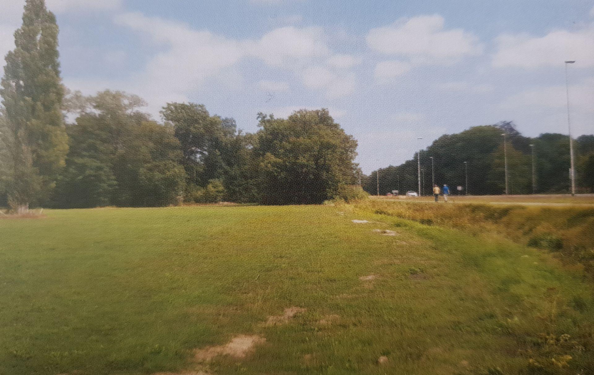 Aanleg vijver tegenover Carelshaven afsluiting herstel Overpark Twickel