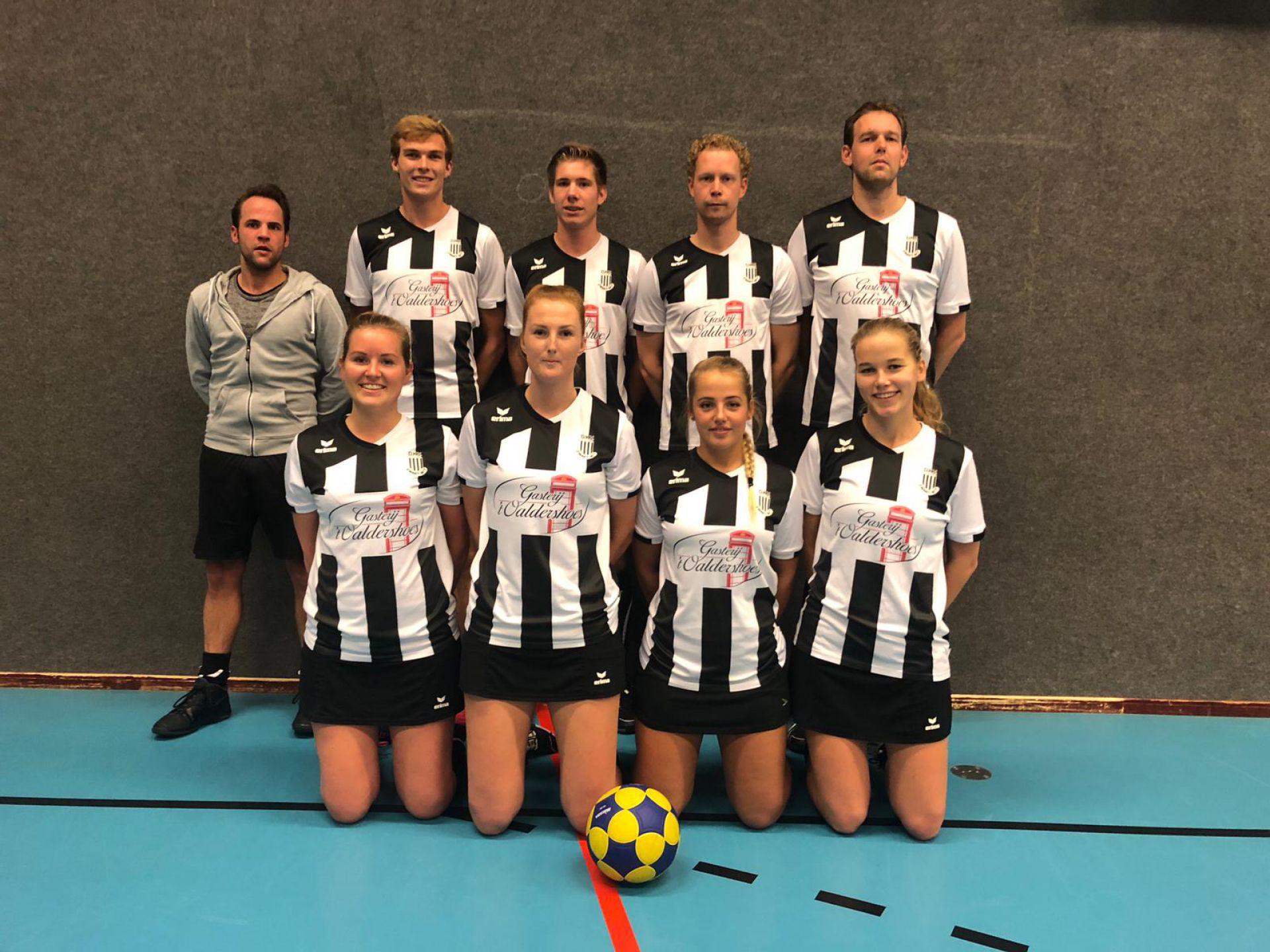 Zwart Wit winterkampioen na zege in Friesland